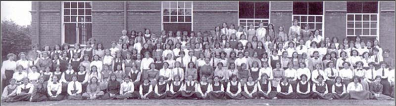 MGGS Whole School Photograph in 1913
