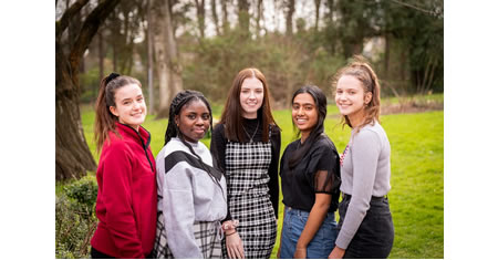 MGGS_Head_Students_Feature